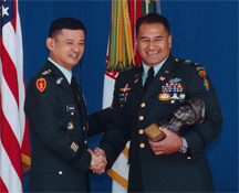 GEN Eric Shinseki and CWO Nicholas Punimata
